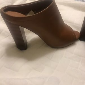 Mossimo Target Mules with heel! Brown size 7